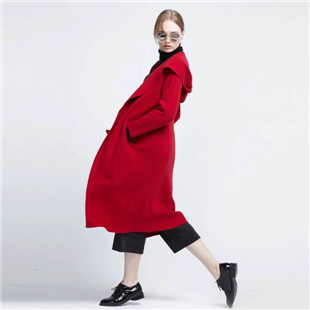 布莎卡女装秋冬装知性、典雅、不经意的浪漫