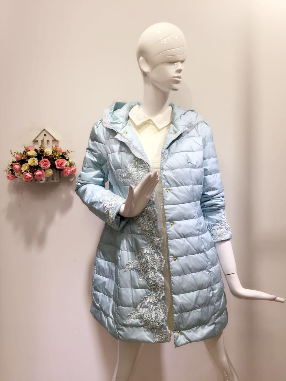 广州折扣女装贝银品牌冬装一手货源 品牌库存尾货羽绒服批发