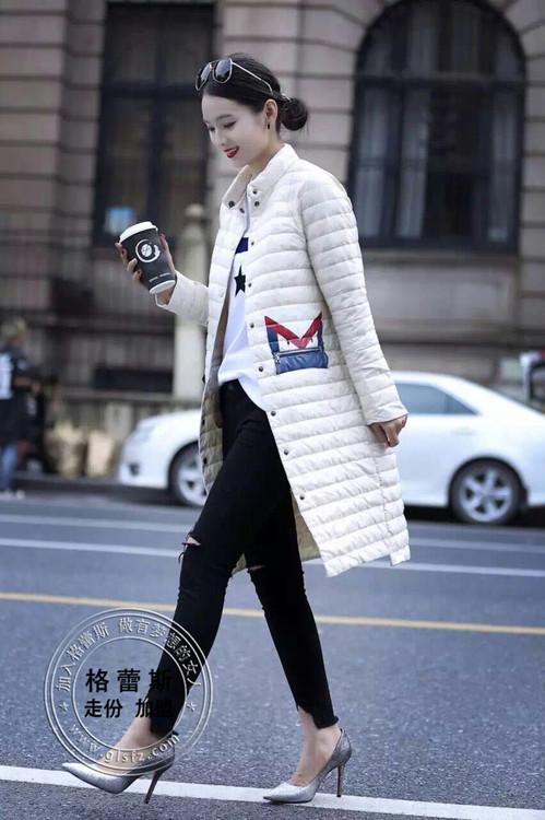 广州哪里有最便宜好看时尚的女装批发/时尚新款轻薄羽绒服火热上市
