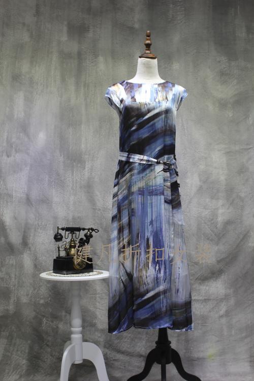 凯伦诗上海一线品牌女装真丝棉麻连衣裙库存折扣批发货源拿货网