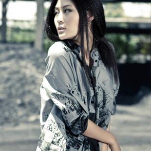 杭州有哪些女装品牌可以加盟?艾沸女装加盟值得信赖!