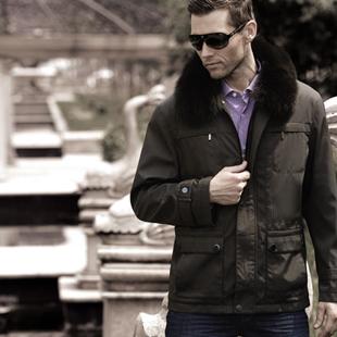 皇贵龙男装加盟政策来袭 打造时尚男士的着装风格