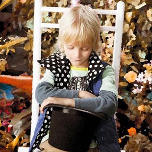 力果童装加盟优势 全新量贩模式引导国际童装潮流