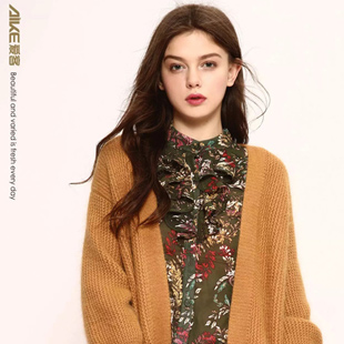 每周每店3次以上的货品更新  爱客女装款式更新快
