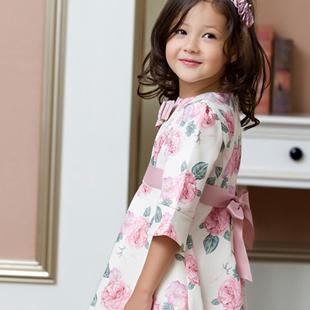 蓝蚁迪堡童装十大加盟支持 助你轻松开起童装店