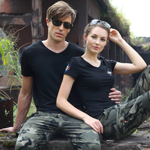 引领军旅休闲服饰、装备的时尚潮流军之旅