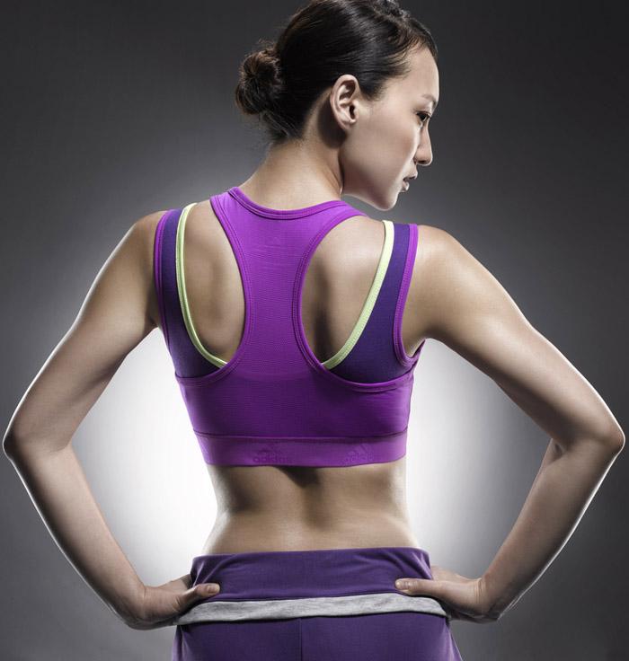 阿迪达斯adidas2012运动bra显火辣身材