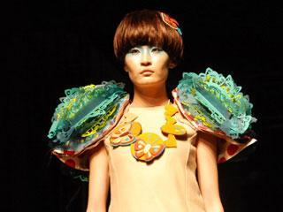 2010中国美院服装设计毕业秀 摄像:向佳 后期制作:向佳