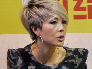 直播 2010广东时装周 DGVI品牌设计总监李爱燕女士专访