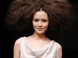2011中国国际时装周(春夏系列)谜底刘星2011春夏时装发布会
