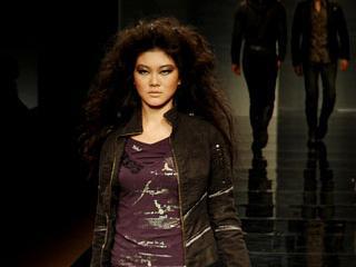 2008国际时尚荟萃暨广东时装周潮流前线2009趋势·张国威发布