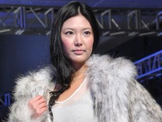 2011上海国际服装文化节·韩国设计师SARAH SHIM作品发布 摄像:刘东杲 后期:刘东杲