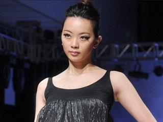 2011上海国际服装文化节·韩国设计师HEE DEUK作品发布 摄像:刘东杲 后期:刘东杲