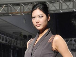 2011上海国际服装文化节·意大利设计师PLISSE作品发布 摄像:刘东杲 后期:刘东杲