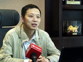 中国服装万里行·专访娅茜国际内衣连锁集团董事长黄栩潇