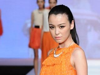 """2012广东时装周·""""重回梦幻国度——费莲娜.郑""""品牌发布"""