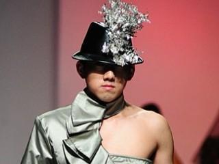 2013广东大学生时装周·广东工业大学艺术设计学院服装设计毕业作品展演