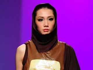 2013广东大学生时装周·广州工程技术职业学院服装设计毕业作品展演