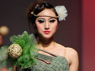 2013广东大学生时装周·惠州经济职业技术学院服装设计毕业作品展演