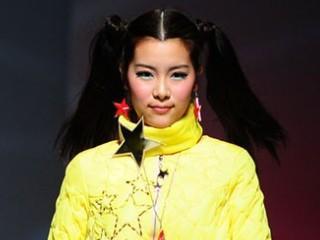 2013广东大学生时装周·广州大学美术与设计学院服装设计毕业作品展演