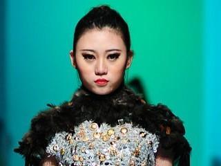 2013广东大学生时装周·广东技术师范学院美术学院服装设计毕业作品展演