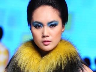 曲姿QUZI 2013中国裘皮·皮革时尚周裘皮系列新品发布秀
