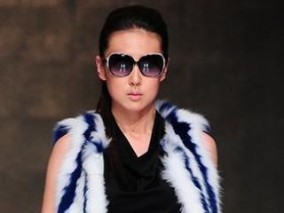 依奴珈2013中国裘皮·皮革时尚周专场新品发布秀