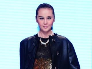 欧思帝娜2013中国裘皮·皮革时尚周专场新品发布秀