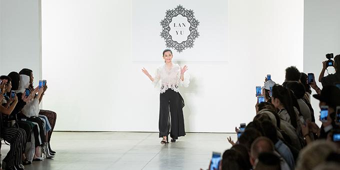纽约时装周:Lanyu2018春夏新品发布会