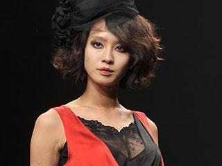 首尔时装周09/10秋冬系列·设计师LEE MOON HEE作品发布